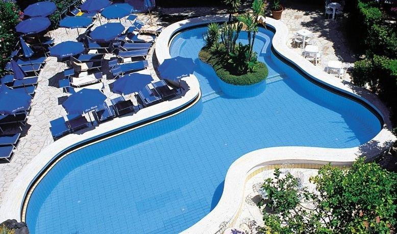 le piscine piu strane nel mondo