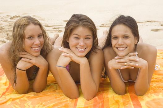 Hai visto? Dove andare in vacanza: i viaggi per conoscere le ragazze