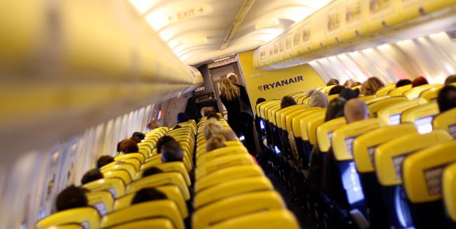 Hai visto? Che cosa portare nel bagaglio a mano in aereo con Ryanair