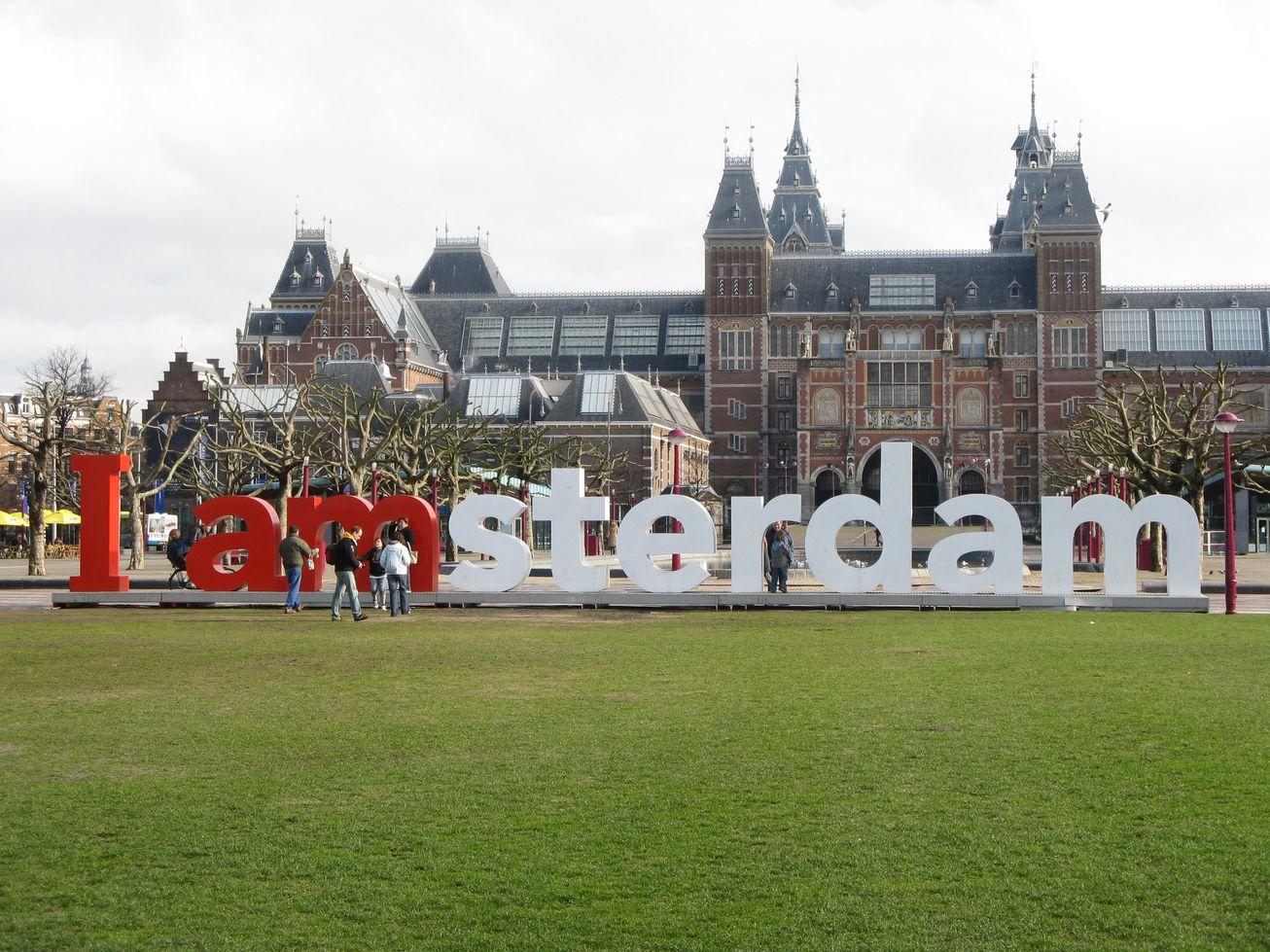 Come si viaggia like a local ad amsterdam for Dormire a amsterdam consigli