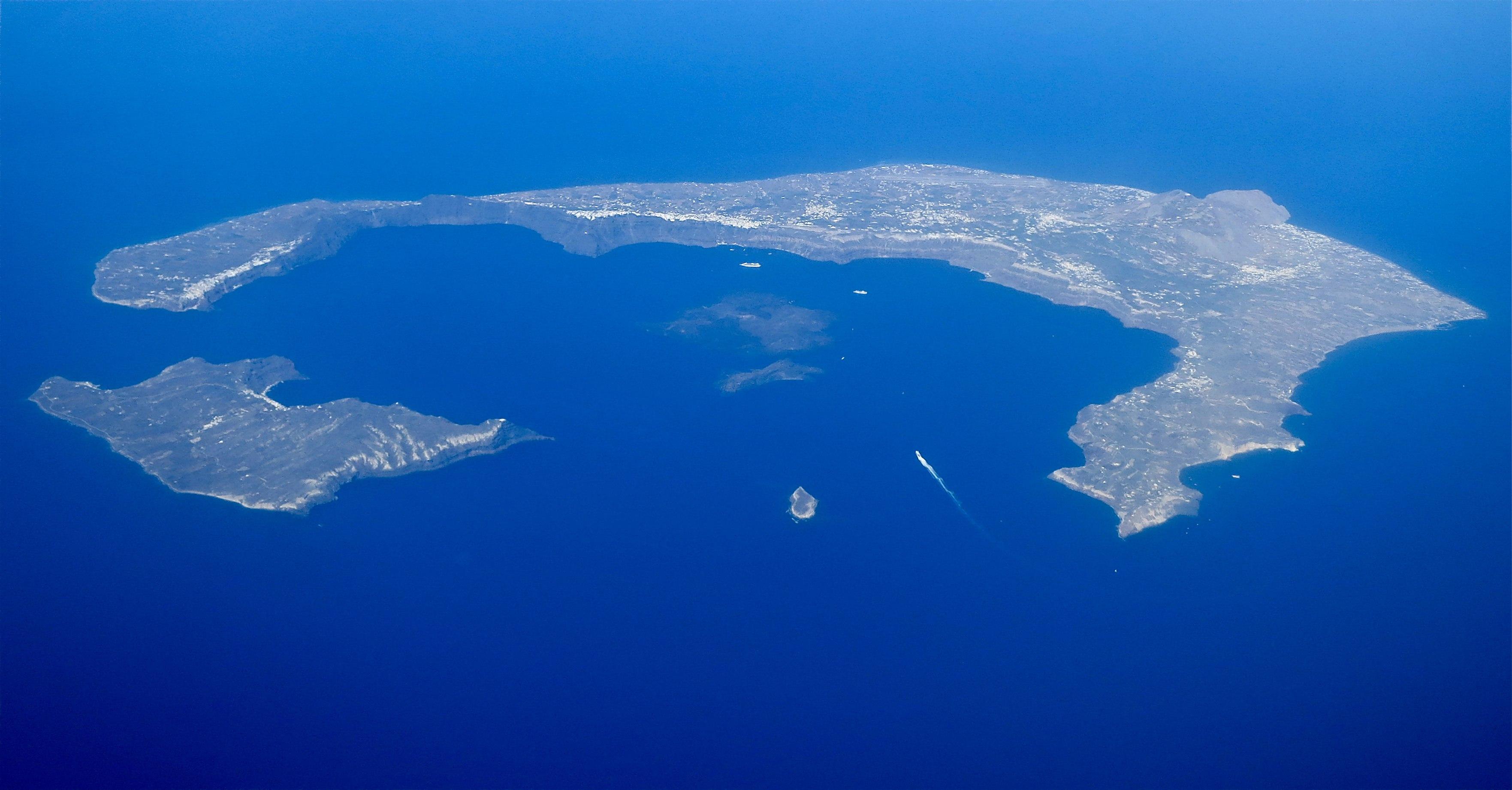 Consigli in vacanza: dove alloggiare a Santorini