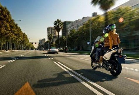 Hai visto? In vacanza: conviene noleggiare uno scooter?