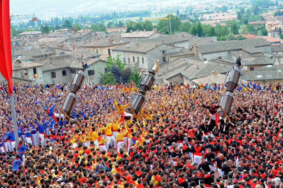 Hai visto? Umbria e cultura: vivi in prima persona la magia della Festa dei Ceri