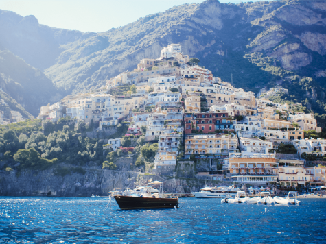 Hai visto? Arriva l'estate: come organizzare una vacanza economica a Capri